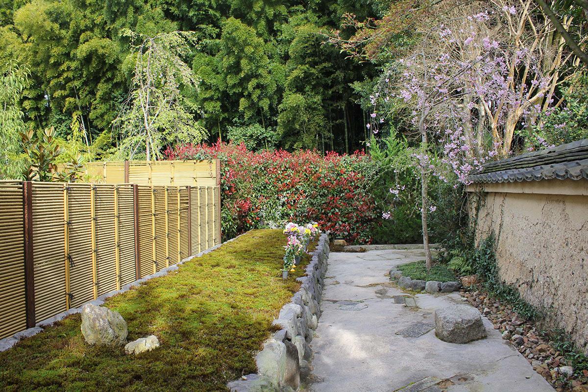 東福寺荘厳院の墓苑風景