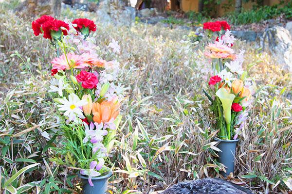 即宗院の墓参の献花イメージ