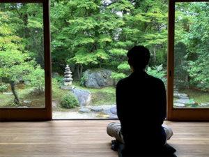 正覚庵での座禅風景