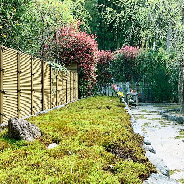 荘厳院の墓苑風景正方形